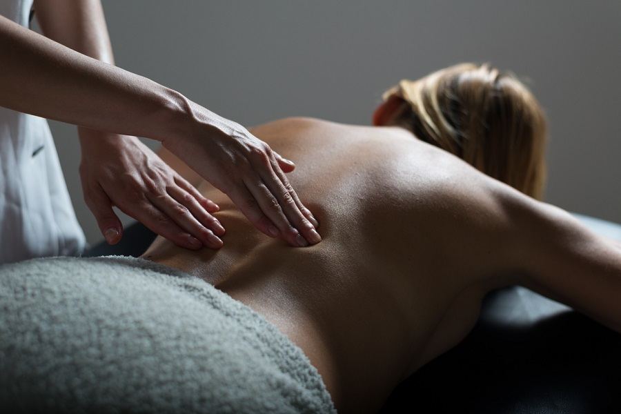 How Massage Therapy Can Help People With Desk Jobs